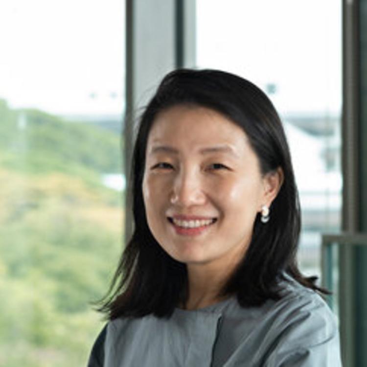 Jung Joo Lee
